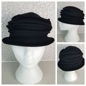 Accessories - Vintage One Size Fits Most Black Folded Wool Hat